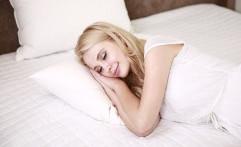 Zodiak yang tak Nyaman Tidur Sendirian