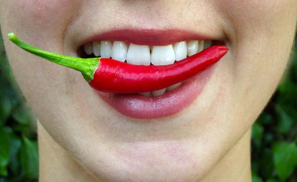 Hindari Makanan Pedas saat Sahur, ini Efek Buruknya