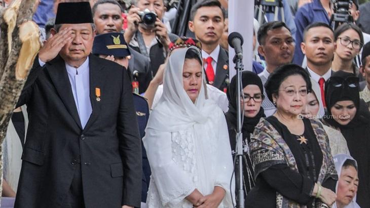 Hadirnya Megawati di Pemakaman Ibu Ani Sinyal Demokrat Diterima di Koalisi Jokowi-Ma'ruf?