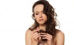 Atasi Masalah Rambut Bercabang dengan 5 Bahan Alami Berikut Ini