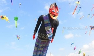 Pangandaran International Kite Festival 2019 Gaet Wisatawan
