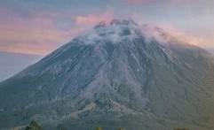 Dua Tempat di Indonesia yang Terdapat Salju Selain Puncak Jayawijaya