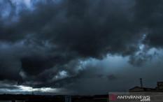 BMKG: Sejumlah Wilayah Terjadi Hujan Lebat Disertai Kilat dan Angin Kencang