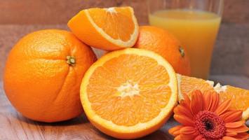 Benarkah Suntik Vitamin C Lebih Baik dari Suplemen?