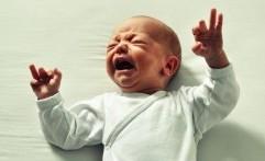 Jangan Panik! Ini Alasan Kenapa Kepala Bayi Sering Berkeringat