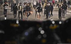 10 Perusuh yang Diamankan Saat Demo Tolak Cipta Kerja Positif COVID-19