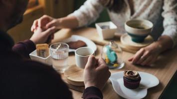 Pantang Dilakukan Saat Kencan Pertama
