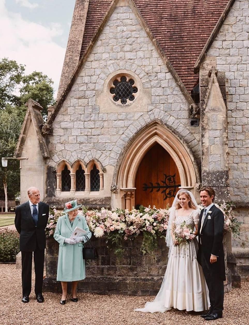 Pernikahan Princess Beatrice of York dan Edoardo Mapelli Mozzi. (Foto Harper's Bazaar)