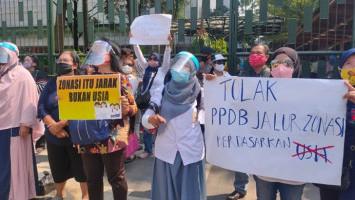 Anak Buah Anies Diklaim Bantu Keuangan Anak-Anak Tertolak PPDB