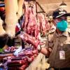 Jelang Imlek, Wali Kota Jakpus Sidak ke Penjual Daging di Pasar Senen