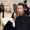 4 Interaksi Rosé BLACKPINK dan Para Selebriti di Met Gala yang Membuktikan Pesonanya