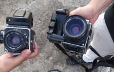 Tongkrongan Generasi Z Kepincut Pakai Kamera Analog