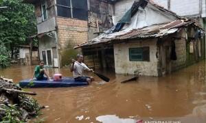 Katulampa Siaga III, Warga Bantaran Kali Ciliwung Diminta Waspada Banjir
