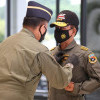 Jelang Pensiun, Kapolri Idham Azis Terima Dua Penghargaan dari TNI