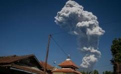 Wisatawan Gunung Merapi Diimbau Memarkir Kendaraan ke Arah Jalur Evakuasi