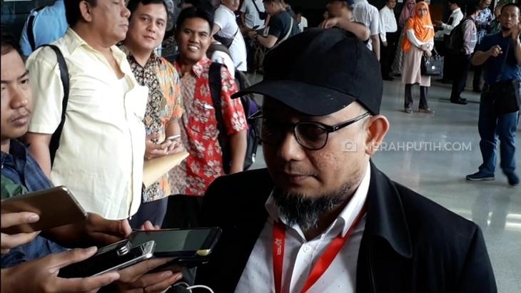 Penyidik KPK Novel Baswedan dilaporkan oleh Kader PDIP