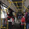 Ada Yang Masuk Kerja, TransJakarta dan MRT Ramai Saat Pagi Hari
