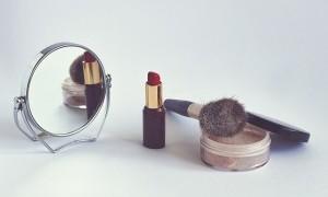 4 Tips Penggunaan Makeup yang Tepat untuk Tampil Lebih Cantik