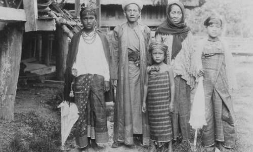 Cerita Petani Masa Lalu Mencari Biaya Ibadah Haji
