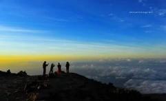 Menyambut Tahun Baru di Gunung Ciremai