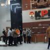 Menteri Edhy Pakai Rompi Oranye KPK