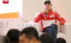 """Lorenzo  """"Meet and Greet Session"""" Bersama Komunitas Ducati di ICE Tangerang"""