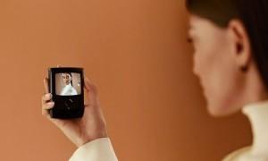 Motorola Razr Jadul Disulap Jadi Smartphone Canggih dengan Layar Lipat