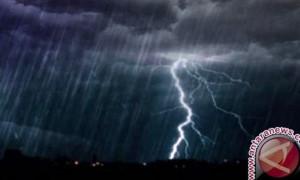 BMKG Perkirakan Seluruh Wilayah DKI Hujan Disertai Petir