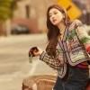 Suzy Goda Penggemar dengan Foto Glamor