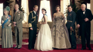 Netflix Enggan Beri Label Fiksi pada Serial 'The Crown'