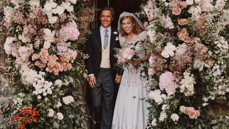 Putri Beatrice Kenakan Gaun dan Tiara Spesial Ratu Elizabeth II di Hari Pernikahannya