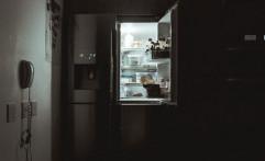 Orang yang Makan di Larut Malam Cenderung Mengonsumsi Kalori dan Junk food Lebih Banyak