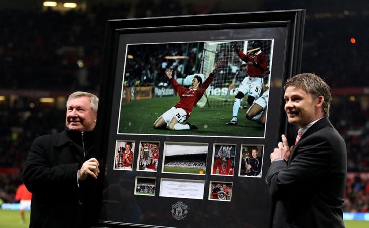 Solskjaer bersama Sir Alex Ferguson