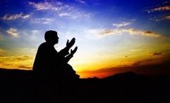 Tiga Amalan Utama pada Malam Nisfu Sya'ban yang Sayang Dilewatkan