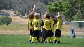 Manfaat Membiasakan Anak untuk Berolahraga Sejak Dini