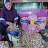 Pedagang Prediksi Harga Bawang Putih Sulit Ditekan Meski Keran Impor Dibuka