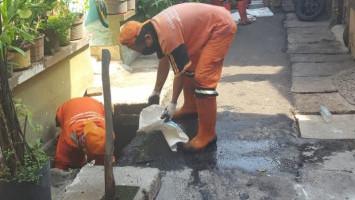 Cara Sudin Bina Marga Jakarta Pusat Atasi Banjir di Jalan Raya