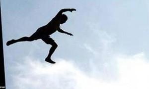 Pasien Penderita HIV Lompat dari Lantai 4 RS Antonius