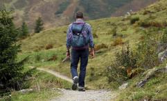 Baca 4 Aturan ini Sebelum Anda Hiking