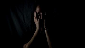 Ramai Dibicarakan, Yuk Kenali Arti 'Fear of Missing Out'