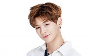 Meski Sakit, Kang Daniel 'Wanna One' Ngotot Ingin Bertemu Penggemarnya