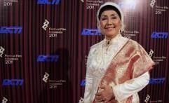 Budayawan Ajip Rosidi Akan Nikahi Aktris Senior Nani Wijaya