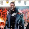 30 Tahun Lumpuh, Vokalis Possessed Jeff Bercerra Kembali Berjalan