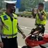 Ditilang karena Knalpot Bising, Pengendara Motor Sport Datangi Kantor Polisi