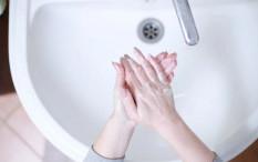 Deretan Manfaat Membiasakan Anak Mencuci Tangan