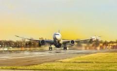 Tetap Tampil Cantik dalam Perjalanan Panjang Menggunakan Pesawat