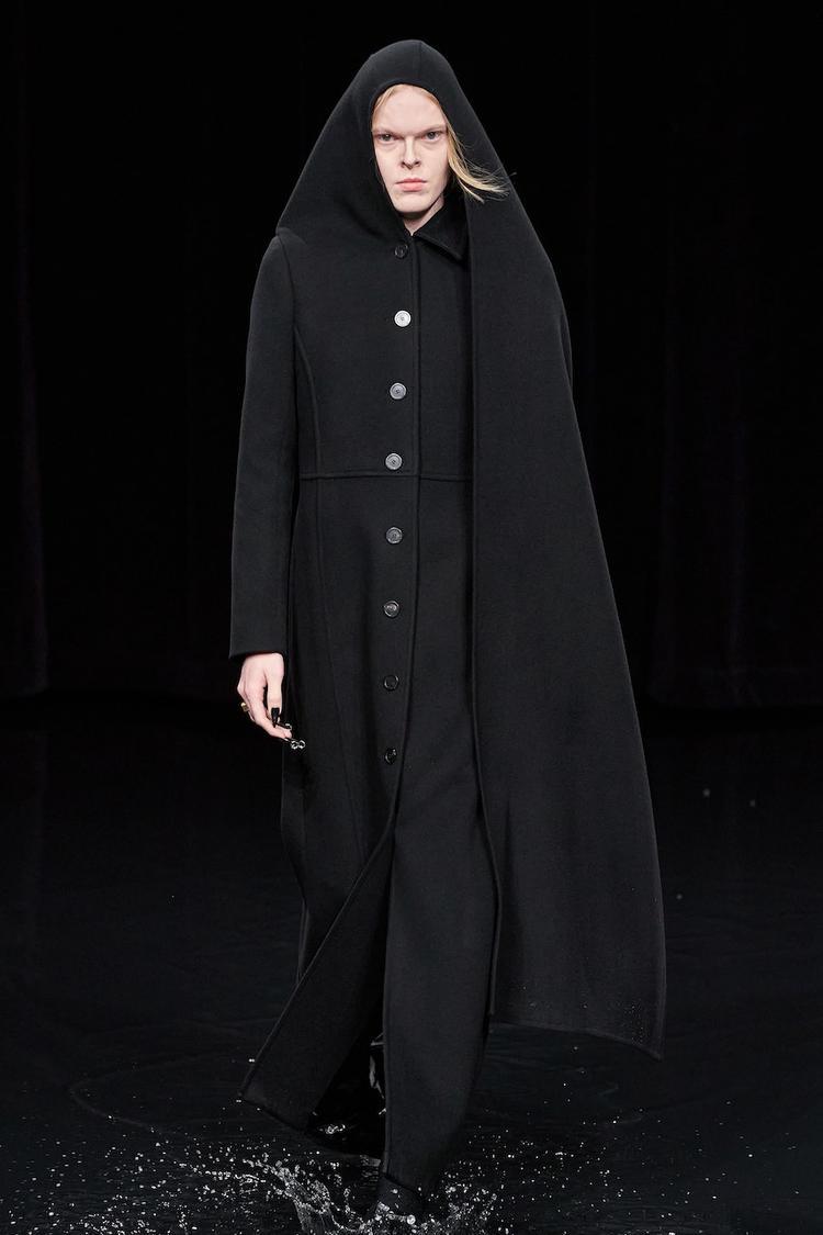 (foto2) Balenciaga di Paris Fashion Week 2020 (Foto: Alessandro Lucioni/ Gorunway.co)